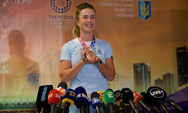 Дякую за нескінченну любов! Світоліна привезла бронзову медаль до Києва
