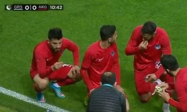 У Туреччині суддя зупинив гру вже на 10-й хвилині, щоб футболісти перекусили