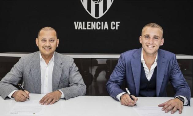 Барселона продала свого голкіпера у Валенсію