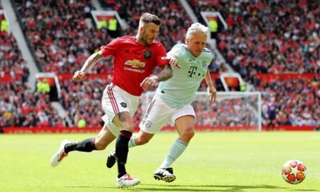 Легенди Баварії та Манчестер Юнайтед зіграли благодійний матч