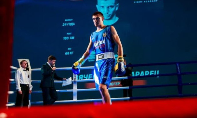 Найшвидший бій в історії. Український боксер виграв поєдинок за одну секунду