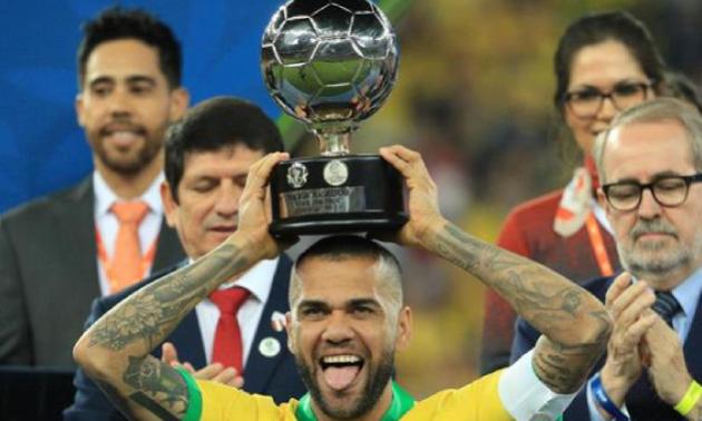 Алвес став найкращим гравцем Копа Америка