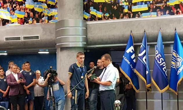 Кирило Дришлюк отримав пам'ятний знак