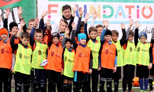 """Шахтар за підтримки УЄФА запустив проект """"Давай, грай"""" на території Донбасу"""