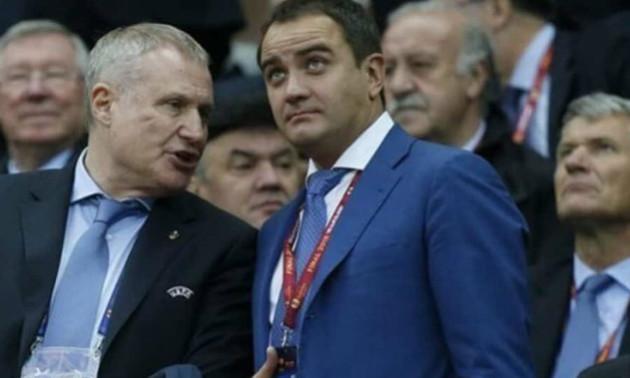 Павелко отримав у морду після того як намагався вигнати Суркісів з VIP-ложі - Печорний