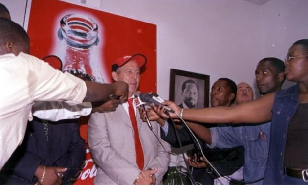 Фанати вимагали крові – тренера рятували вертольотом. Він відпрацював в Африці 21 рік за системою Лобановського