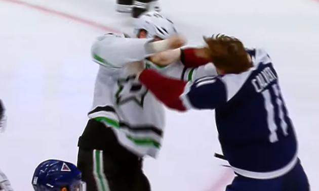 В матчі НХЛ відбулася жорстка бійка