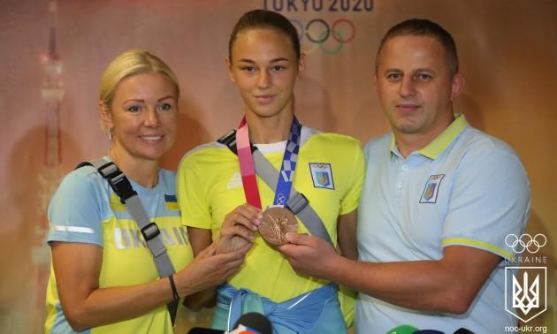 Фото дня. Дар'я Білодід повернулася до України після Олімпіади