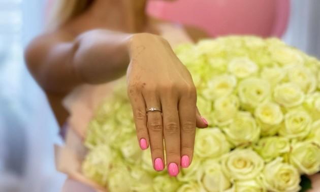 Фото дня. Анжеліка Терлюга прийняла пропозицію руки та серця від свого обранця