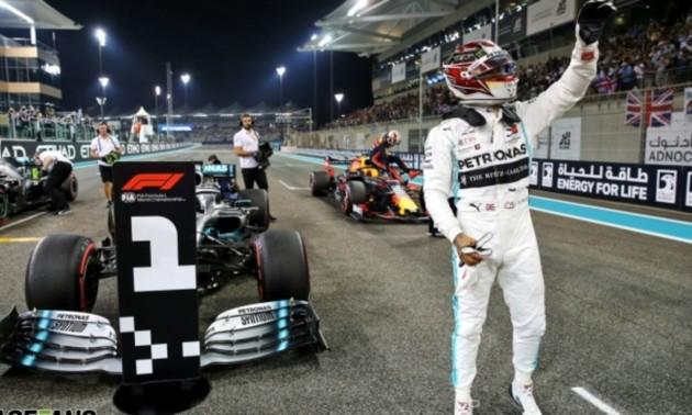 Гамільтон знищив суперинків на останньому етапі сезону. Огляд Гран-прі Абу-Дабі