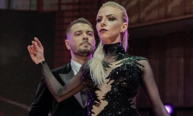 Російський танцюрист ударив партнерку кулаком в обличчя