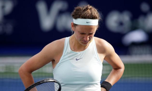 Азаренко знялася з турніру в Досі