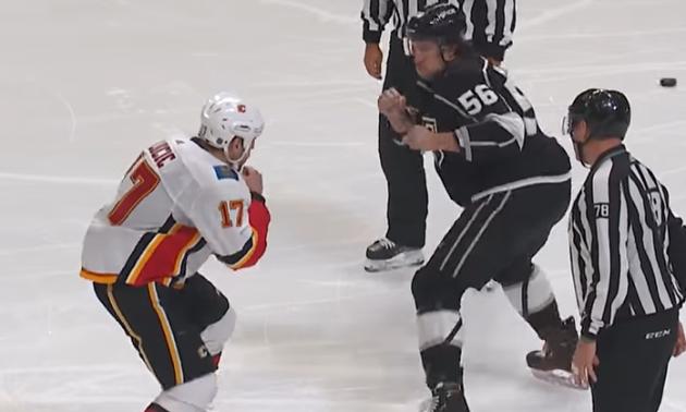 Під час матчу НХЛ побилися два велетні