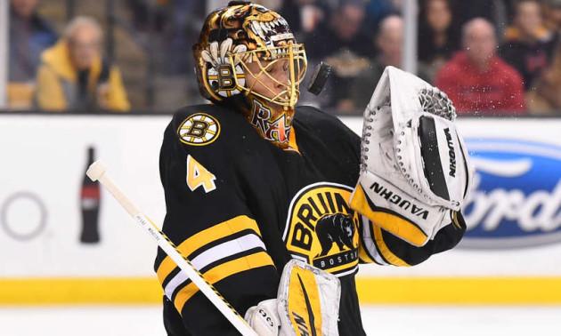 Основний воротар Бостона Раск відмовився брати участь в плей-оф НХЛ
