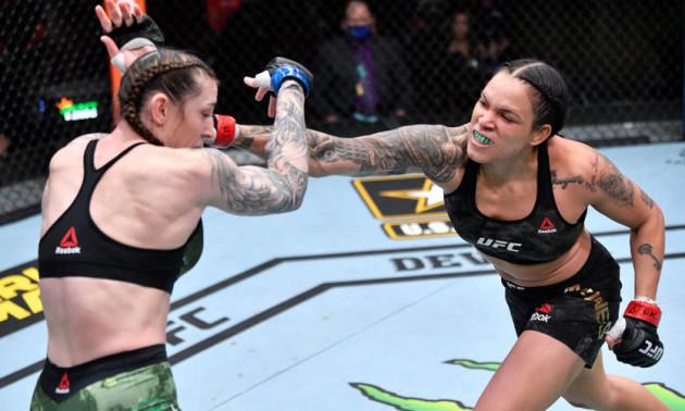 Нуньєш знищила Андерсон на турнірі UFC 259