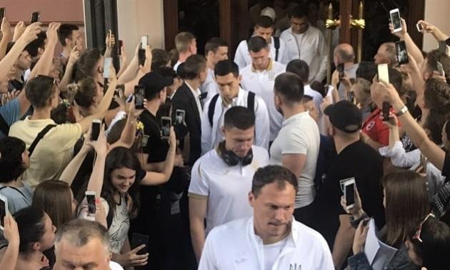 Коноплянка та Циганков у старті проти збірної Сербії