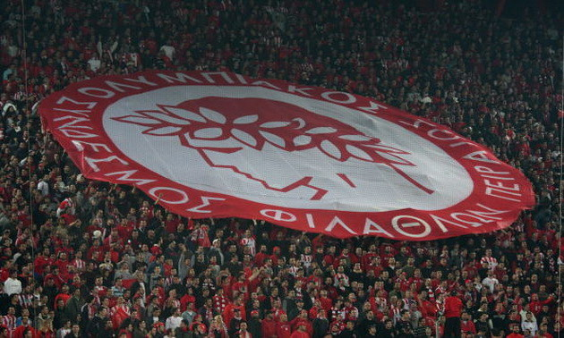 Уболівальникам Олімпіакоса заборонили символіку СРСР та Спартака