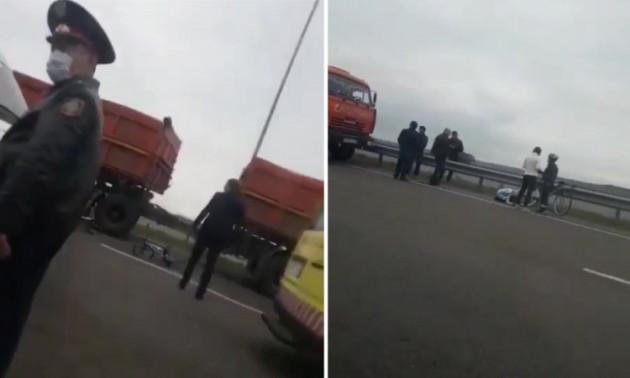 Юна велосипедистка загинула на тренуванні під колесами КАМАЗу
