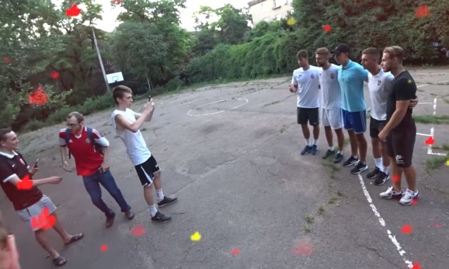 Зіркові футболісти Зорі зіграли з уболівальниками на шкільному майданчику