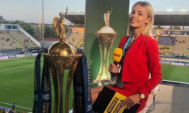 2 роки тому Зінченко поцілував журналістку в прямому ефірі