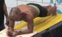 62-річний американець простояв у планці понад 8 годин
